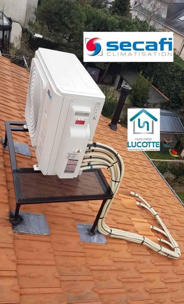 Pose groupe climatisation Airwell sur toiture à Nantes